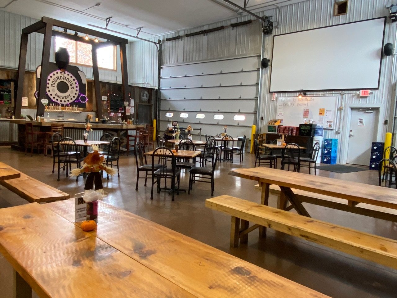 The interior of taproom at Roundhouse Brewery in Nisswa, Minnesota • Photo via Roundhouse Brewery